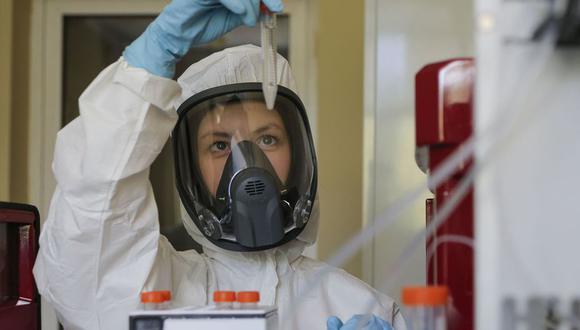 El mes pasado, Rusia anunció que su vacuna contra el coronavirus Covid-19 entraba en la tercera y última fase de ensayos clínicos. La bautizó como Sputnik V. (Foto: EFE).