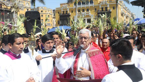Monseñor Carlos Castillo celebró su primera misa de Domingo de Ramos como arzobispo de Lima en la Catedral (Foto Juan Ponce).