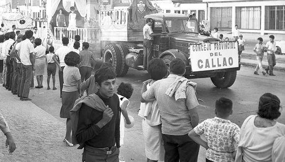 En el Callao un desfile de carros alegóricos cerró las celebraciones del centenario del Combate de Dos de Mayo. Foto: GEC Archivo Histórico