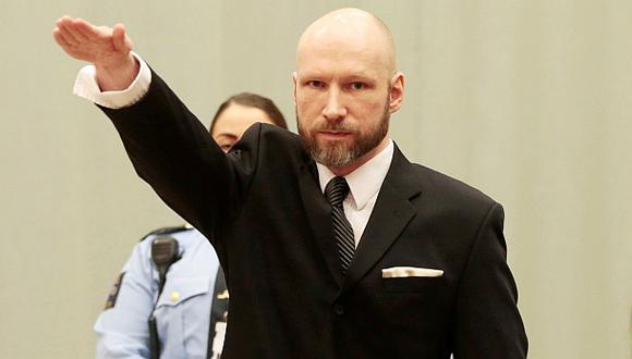 Noruega: Asesino múltiple saluda como nazi ante Corte [VIDEO]