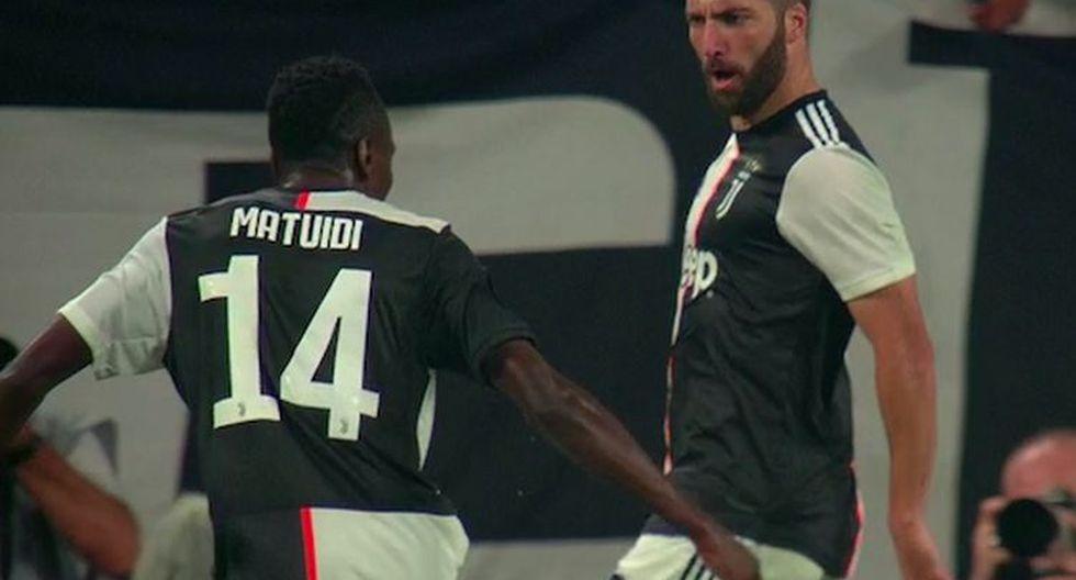 Golazo de Higuaín: 'Pipita' marcó el 2-0 de Juventus ante Napoli, su ex equipo. (Foto: captura)