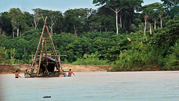 Cerca de 2.000 mineros operan en Reserva Nacional de Tambopata