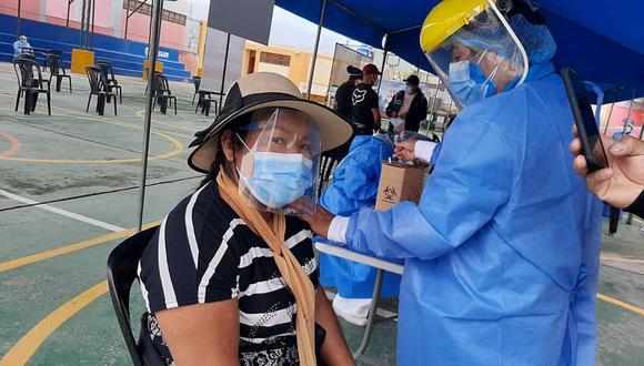"""El ministro de Salud visitó esta región y demandó jornadas de vacunación """"más agresivas"""". (Foto: Geresa Arequipa)"""