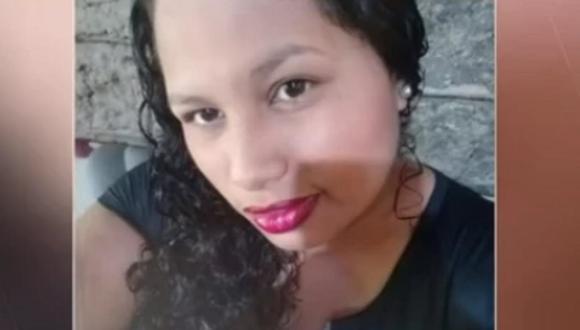 """A Daniela Andrea se le prendió una pierna tras ser mojada con alcohol con pólvora, pero el curandero no intercedió porque era parte de la """"limpieza"""". (Foto: Facebook)"""