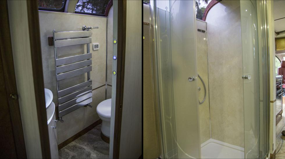 Viaja con estilo en este clásico bus convertido en casa rodante - 4