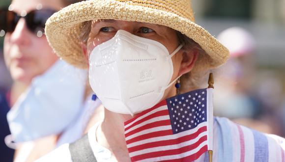 Según la encuesta de los CDC, las medidas más arriesgadas de los estadounidenses son poner lejía a los alimentos, inhalar esta sustancia, hacer gárgaras con cloro y lavarse el cuerpo con productos de limpieza domésticos como desinfectantes. Foto: REUTERS/Kevin Lamarque