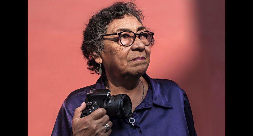 Beatriz fue la primera mujer peruana en publicar en un medio de prensa (La Prensa, 1974). A partir de los años 80 milita en el naciente movimiento feminista y acompaña las primeras marchas y encuentros feministas.