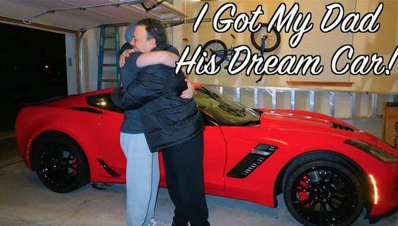 Recibe el auto de sus sueños de parte de su hijo [VIDEO]