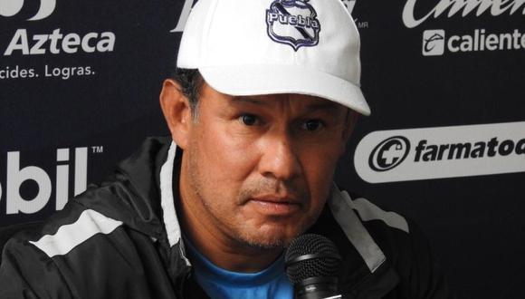 Juan Reynoso dirige al Puebla de México. (Foto: @PressPortmx)