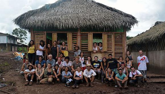 Satisfechos. La construcción del local duró un mes y medio, y se utilizaron materiales de la zona. (Foto: Raúl Mayo).