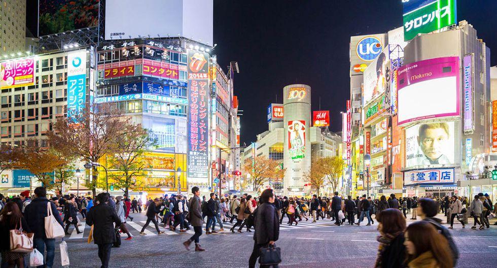 Tokio. La capital japonesa brilla por sus construcciones, su tecnología y sus innumerables luces de neón. Uno de sus íconos es el cruce Shibuya, ubicado frente a la estación del mismo nombre y del que se dice es el más transitado del mundo. (Foto: Shutterstock)