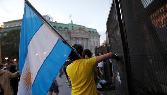 Sepa aquí a cuánto se cotiza el dólar en Argentina este 22 de abril de 2021. (Foto: EFE)