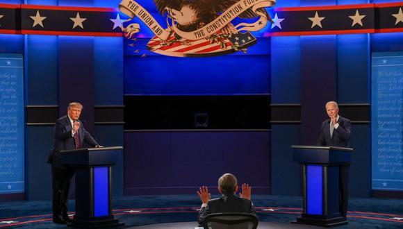 Como en 2016, Donald Trump se presenta como un candidato que no pertenece a la clase política y que lucha por los estadounidenses, lejos de las intrigas de Washington. Imagen del debate del presidente de Estados Unidos con Joe Biden en Cleveland, Ohio. (Foto: JIM WATSON / AFP).