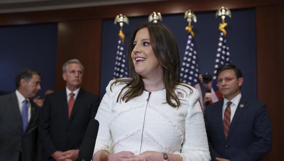 Elise Stefanik reemplaza a Liz Cheney en el liderazgo republicano. AP