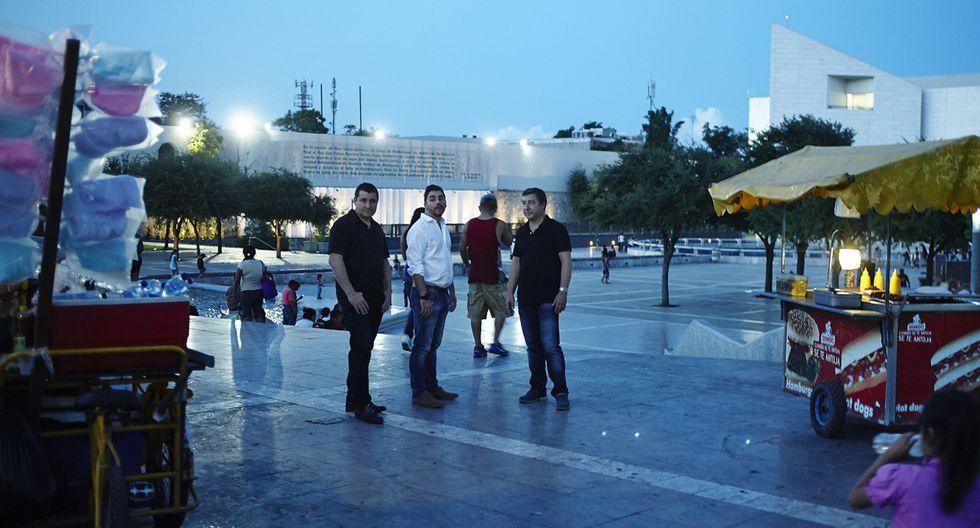 Las imágenes del paso de los hermanos Roca por México - 2