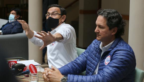 Cusco: Martín Vizcarra, llegó a Cusco a fin de realizar un recorrido proselitista junto a Daniel Salaverry, y se irrogó la compra de vacunas contra el COVID-19 anunciada por el presidente Francisco Sagasti. (Foto Juan Sequeiros)