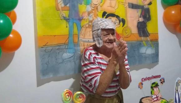 Francisco dos Santos generó ternura en redes sociales al disfrazarse como 'El Chavo del 8' por su cumpleaños. (Foto: (@celinhamanhaes / Twitter)