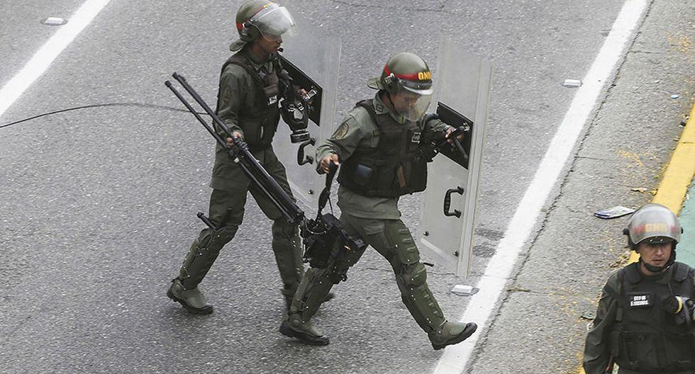 Venezuela: Estudiantes y periodistas se enfrentan a la policía - 11