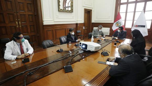 Primer ministro, Vicente Zeballos, se reunió con representantes de la Federación Médica Peruana y Colegio Médico del Perú. (Foto: Difusión)