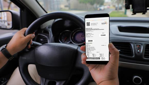 La nueva tarjeta evita adulteraciones y favorece la portabilidad al ser compatible con tablets, laptops o teléfonos celulares.(Foto: Sunarp)