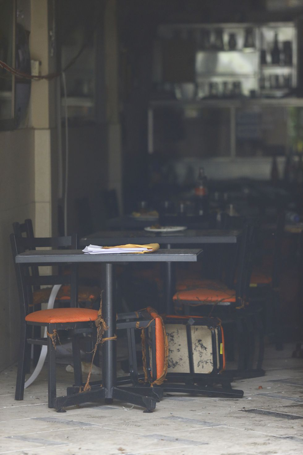 Así se encuentra el interior del restaurante La Norteña. El local aun se encuentra cerrado por la Policía Nacional. (Foto: Allen Quintana)