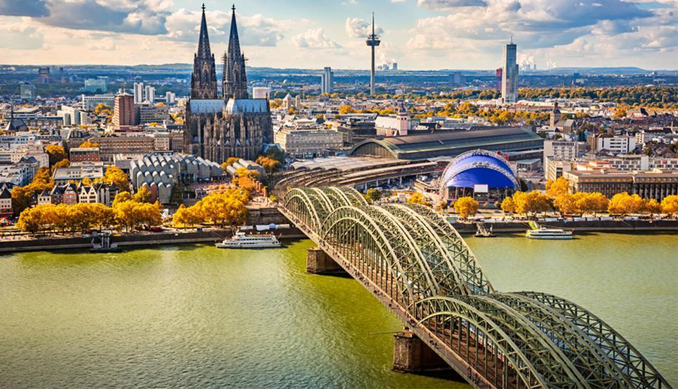 Colonia, Alemania. Bañada por el río Rin, esta ciudad alemana es conocida por su arquitectura y sus vistas panorámicas. Entre otras cosas, Colonia cuenta con una vibrante escena de música techno y electrónica. (Foto: Shutterstock)