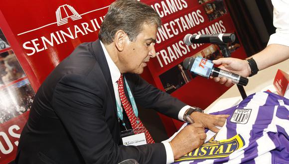 Jorge Luis Pinto en una visita a Lima hace unos años. (Foto: GEC)