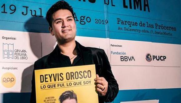 Deyvis Orosco presentó libro en la FIL Lima 2019.