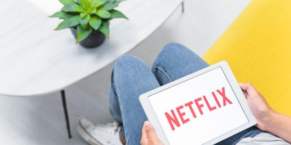 La gente está más preocupada en sus series de Netflix que en las tareas que tienen pendientes en el trabajo. (Foto: Freepik)
