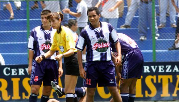 El primer partido de nuestra Primera División con árbitro mujer sucedió en la temporada 2000. (Foto: Rolly Reyna / Archivo El Comercio)