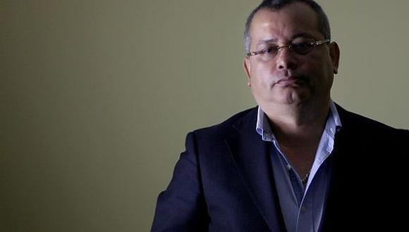 Orellana pide US$100 mlls. a nuestros periodistas y directivos