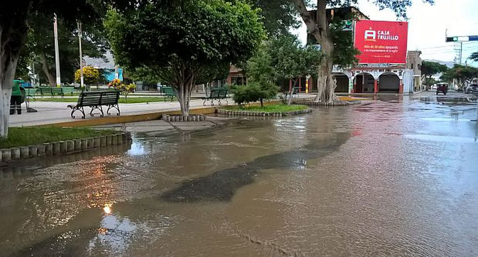 Áncash: río Sechín se desborda y llega a Plaza de Armas  - 2