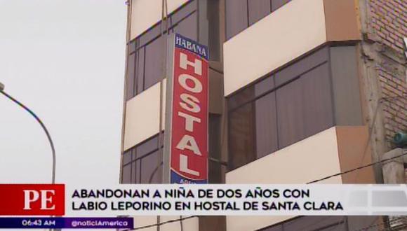 Una bebé de dos años fue abandonada en un hotel por más de 10 horas. (Foto: América TV)