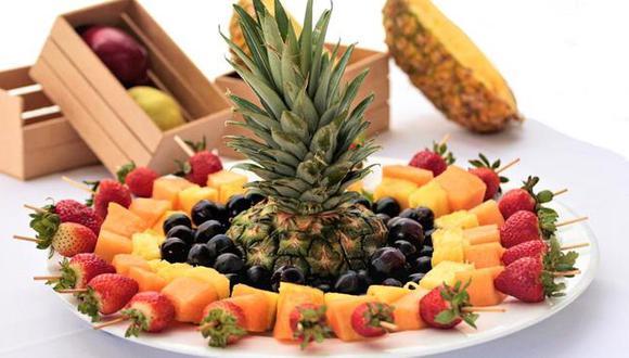 Llevar una dieta balanceada de frutas, verduras, carnes, entre otros, permitirá fortalecer tu sistema inmune. (Foto: Minsa)