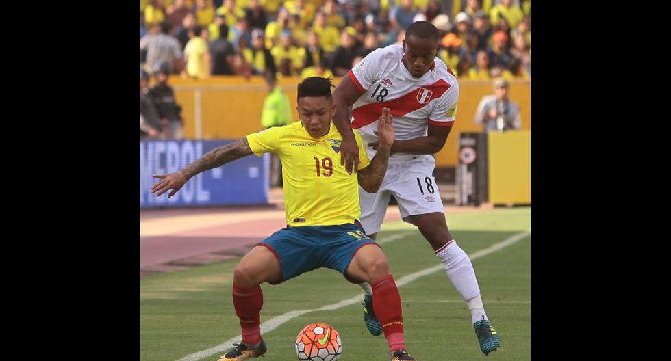 Carrillo participando en jugadas defensivas. (Foto: agencias)