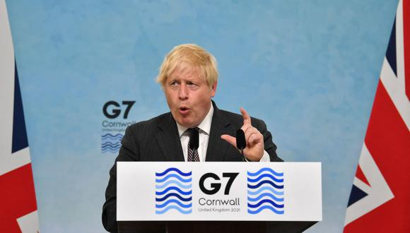 El primer ministro británico, Boris Johnson, participa en una conferencia de prensa el último día de la cumbre del G7 en Carbis Bay, Cornwall, el 13 de junio de 2021. (Foto de Ben STANSALL / AFP).