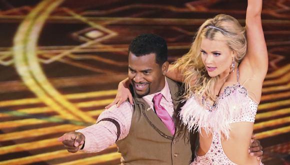 """Carlton Banks de """"El príncipe del rap"""" se lució como bailarín"""