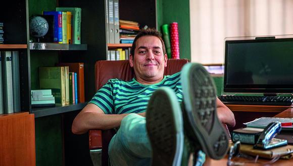 Lozano participó directamente en los procesos de cásting para la serie. Para el escritor, los actores fue una de las claves para el éxito de Merlí e incluso lo inspiraron para nuevas ideas, especialmente para el lenguaje. (Archivo personal)