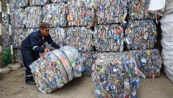 En el Perú, el 30% de las botellas PET se reciclan en el Perú, según el Comité de Plásticos de la Sociedad Nacional de Industrias. (Foto: Alonso Chero)