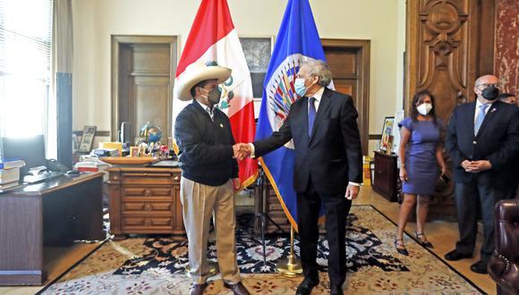 El presidente Pedro Castillo recibió el saludo protocolar del secretario general de la OEA, Luis Almagro. (Foto: Presidencia Perú)