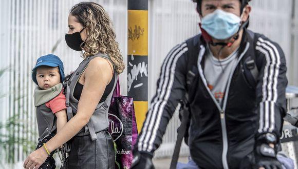 La suspensión del IVA aplica para productos como vestuario, electrodomésticos, equipo deportivo, bicicletas, computadores, celulares inteligentes e insumos agropecuarios.(Foto: AFP/Juan BARRETO)