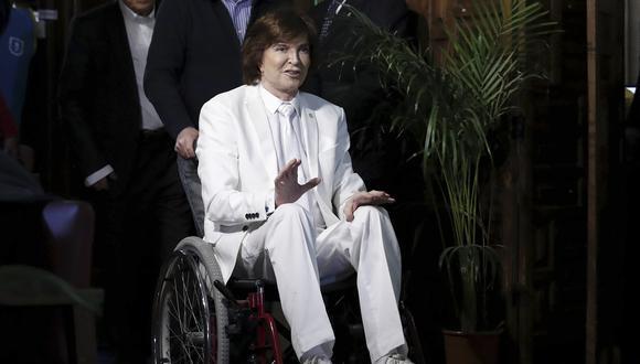 Camilo Sesto en 2016, cuando debió movilizarse en silla de ruedas tras una caída. (Foto: EFE)