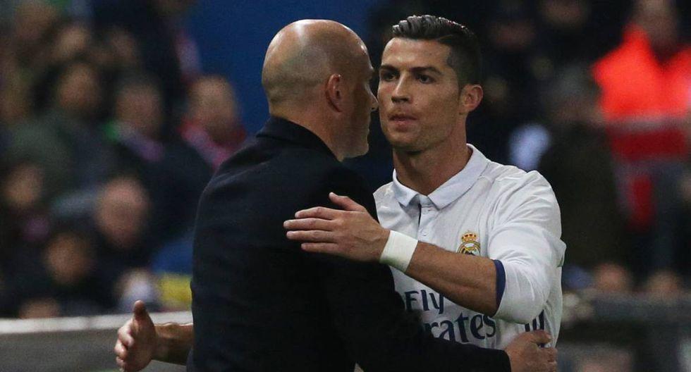 El director técnico del Real Madrid salió al frente tras las críticas hacia Cristiano Ronaldo por tomar un celular para ver cómo quedó su rostro por un fuerte golpe. (Foto: AFP)