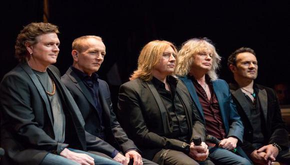 Def Leppard en pleno: Rick Allen, Phil Collen, Joe Elliott, Rick Savage y Vivian Campbell. (Foto: Getty Images)