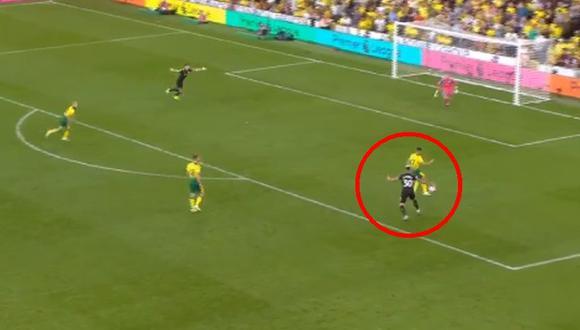 Manchester City vs. Norwich City: Otamendi se durmió y le robaron el balón para el 3-1 por Premier   VIDEO. (Video: YouTube / Foto: Captura de pantalla)