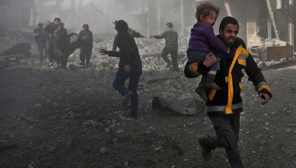 Los bombardeos de Siria sobre Guta Oriental, en Damasco, provocan el mayor número de muertos en tres años. (AFP).