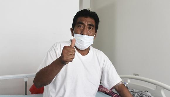 Dr. Eloy Luque Mamani contrajo la enfermedad llegando a presentar un cuadro clínico grave. (Foto: Hospital Emergencia Ate Vitart)
