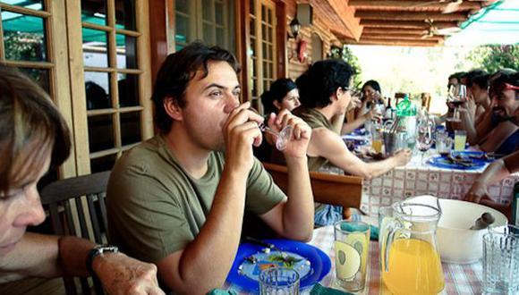 El alcohol acelera la pérdida de memoria en los hombres