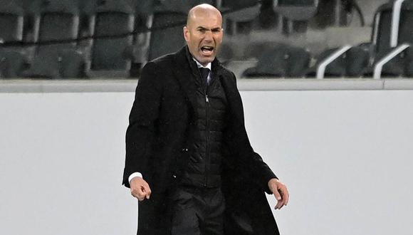 Zinedine Zidane se defendió de las críticas por la salidas de jugadores de Real Madrid. (Foto: EFE)