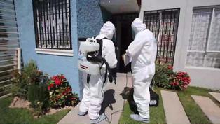 Médicos mexicanos atienden gratis y en casa a enfermos pobres de COVID-19